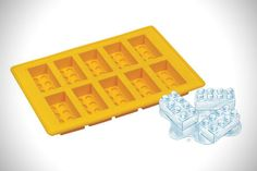 The perfect ice cubes for a kid's LEGO birthday party, made with this LEGO Ice Cube Tray. Made from food-grade silicone, you'll be pumping out LEGO ice cubes in no time. It ships in random colors, but the ice cubes are the import parts, right? Lego Ice Cube Tray, Ice Tray, Lego Tray, Lego Birthday Party, Birthday Parties, Birthday Ideas, Inspektor Gadget, Deco Cafe, Decoration Originale