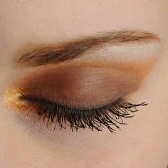 Achieve this Younique Celebrity Eye look:  Curious under brow. Gorgeous (on inner corner, above crease, and outer edge). Beautiful (on upper lid). Infatuated (on inner and lower lid). Risque (used wet as eyebrow color). 2 Concealer colors used on face and around eyes: Fresh and Fabulous. Topped off with Moodstruck 3D Fiber Lashes+.