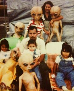 family portrait ... with aliens
