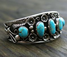 Vintage  NAVAJO Native American TURQUOISE Sterling Silver Cuff Bracelet  62 gr
