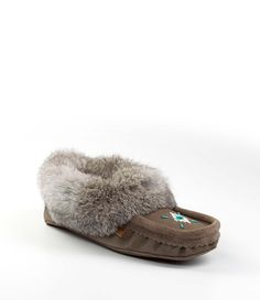 Rimrock Charcoal suede outer with rabbit fur womens moccasins Cloud Tecumseh Rabbit Fur, Fur Slides, Moccasins, Charcoal, Slippers, Footwear, Clouds, Homemade, Pattern