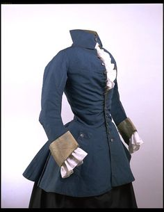 This was a men's riding jacket that also started to be worn by women. It has a narrow collar attached at the back of the neck. Source: The Victoria and Albert Museum Date: Place of Origin: England, Great Britain 18th Century Dress, 18th Century Costume, 18th Century Clothing, 18th Century Fashion, Historical Costume, Historical Clothing, Riding Habit, Vintage Outfits, Vintage Fashion