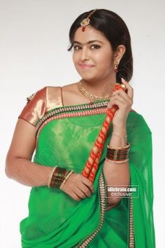 Avika Gor Cute Photos In Saree (3)
