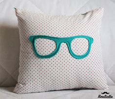 DIY - cushion Cute for a teen girls room.