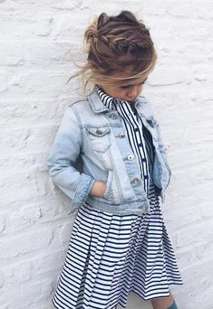 17 Ideas for fashion kids outfits jackets Little Girl Outfits, Little Girl Fashion, Toddler Fashion, Kids Fashion, Latest Fashion, Little Girl Style, Fashion Trends, Trendy Fashion, Kids Outfits Girls