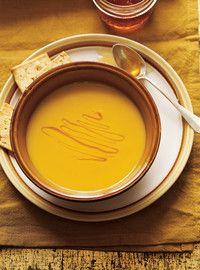 Crème de carottes jaunes et poireaux au safran