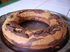 Gâteau marbré dans moule à savarin