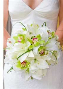 Refreshing white and green bridal bouquet