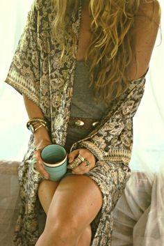 urbanNATURES Beach Style: Printed Kimono & Coffee