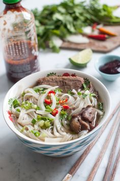 A classic and authentic recipe for Vietnamese Pho Noodle Soup. This beef pho recipe uses oxtail and beef brisket for a delicious and full-flavoured pho broth. Tips on how to make pho at home! Best Soup Recipes, Chili Recipes, Healthy Recipes, Noodle Recipes, Top Recipes, Vietnamese Recipes, Asian Recipes, Vietnamese Food, Asian Foods