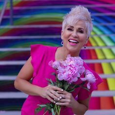 Fashion Trends for Women Over 50 - Fashion Trends Over 50 Womens Fashion, Fashion Over 50, Fashion Tips, Growing Out Short Hair Styles, Platinum Pixie, Buy My Clothes, Short Hairstyles Over 50, Chic Over 50, Cute Cuts