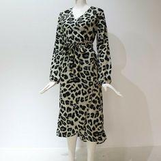 Leopard Dress Women Loose Long Sleeve Deep V-neck A-line Dress Plain Dress, Leopard Dress, Sexy Party Dress, Vintage Ladies, Long Sleeve, Dress Fashion, Women's Fashion, Fashion Outfits, Long Beach