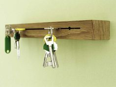 schl sselbrett on pinterest key holders key rack and lego key holders. Black Bedroom Furniture Sets. Home Design Ideas