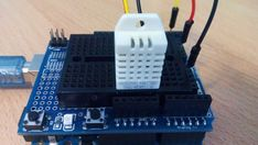 How to use DHT-22 sensor - Arduino Tutorial