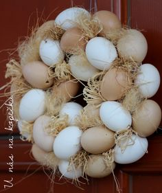 Egg Crafts, Easter Crafts, Easter Monday, National Holidays, Topiary, Eggs, Wreaths, Spring, Fun