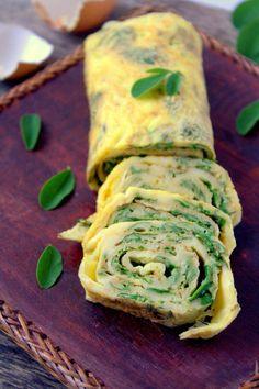 Rotolo di frittata con spinaci e mozzarella