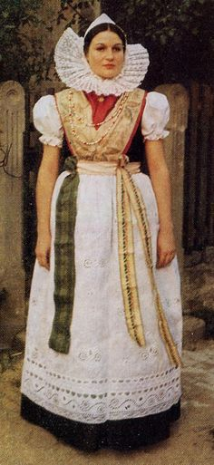FolkCostume&Embroidery: Overview of Sorbian Folk Costume #Bautzen #evangelisch