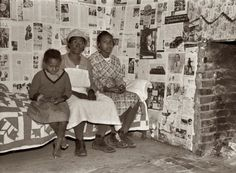 """February """"Negroes at Gee's Bend, Alabama. Descendants of slaves of the Pettway plantation."""" Here we see one of the celebrated Gee's Bend quilts. Medium format nitrate negative by Arthur Rothstein for the Farm Security Administration. Alabama, Gees Bend Quilts, Shorpy Historical Photos, Make Do, American Quilt, Art Textile, Textiles, Down South, Vintage Quilts"""