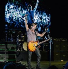 Isn't he pretty? Listen to Keith Urban and other great artists while at work or on the go: http://www.gocountry105.com/programming/listen/  #KeithUrban #GoCountry105 #CountryMusic #LA