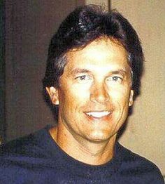george strait without a hat - Bing images Country Music Artists, Country Singers, George Strait, King George, Country Boys, My Guy, Rey, Gorgeous Men, Strait Music
