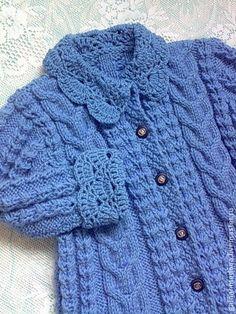 Пальто для девочки `Анжелика` ручной работы. Вязаное весенне-осеннее пальто или кардиган для девочки 'Анжелика'. Удобный вариант верхней одежды для маленьких модниц. Модные косы на одежде всегда украшали и выделяли их обладательниц. А в настоящее время - вязаные…