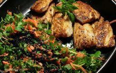 2 chickweed recipes, fritters and salad Weed Recipes, Paleo Recipes, Healthy Grains, Healthy Food, Nigella Seeds, Orange Salad, Carrot Salad, Healthy Sugar, Edible Food