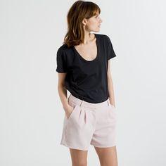 The Women's U-Neck - Black – Everlane Basic Tees, Wardrobe Basics, Cool Tees, Short Dresses, My Style, How To Wear, Shirts, Clothes, Black