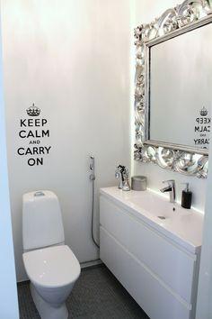 :) White Houses, Ikea, House Design, Shower, Mirror, Bathroom, Interior, Modern, Furniture