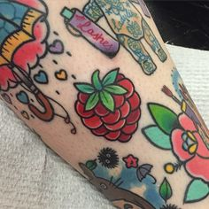 @shell_valentine_tattoo Little raspberry