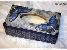 Chustecznik drewniany motyle ornament decoupage Tissue Box Covers, Tissue Boxes, Painted Boxes, Wooden Boxes, Tissue Box Crafts, Craft Projects, Projects To Try, Kleenex Box, Decoupage Box