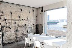Ein Restaurant in einem alten Industriegebäude in Hafen von Amsterdam. Top!