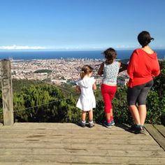 El #blog de La #ecocosmopolita entrena nuevo look! Y si te pasas para verlo, también podrás leer el último post, con nuevos aires de verano   #barcelona vista desde #collserola  #verano #vacaciones #familia #paseo #escapada #catalunya #sunmer #bcn #skyline #city #sea #mar #ciudad #vista #españa #spain #agosteando #blog #bloggerstyle