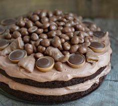 Baking Recipes, Cake Recipes, Black Magic Cake, Norwegian Food, Scandinavian Food, Party Desserts, Let Them Eat Cake, I Love Food, Cake Cookies