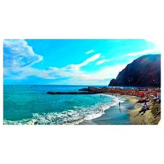 """#scenic #Sunday As you all know I'm a definite #ocean and #water #lover. If I ever disappear on my own accord I'm letting my #funsizefans know where to find me. On the #north part of the #italian #riviera lays a """"city"""" or region called #cinqueterre or in #english #FiveLands. This region has 5 little fishing #villages all on the water and all connected by a train or road. Each is unique and takes pride on that idea. Of the 5 towns you will find me at the first or most northern town of…"""