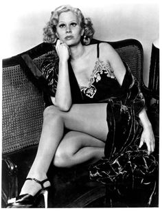 Vintage Hollywood Classics Classic Movie Stars, Classic Movies, Karen Black, Nice Legs, Vintage Hollywood, Swimsuits, Wonder Woman, Superhero, Black And White