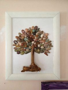 See more ideas about Pebble art, Stone art and Painted rocks. Stone Crafts, Rock Crafts, Crafts To Do, Arts And Crafts, Crafts With Rocks, Art Crafts, Caillou Roche, Art Rupestre, Art Pierre