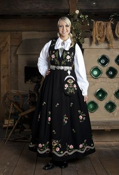 Lundeby Norwegian Clothing, Frozen Costume, Hardanger Embroidery, Tambourine, Folklore, Pretty Dresses, Norway, Biscuits, Buildings