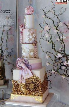Exquisite Kimono Cake | Cakes with Flowers, Elegant Cakes, Wedding Cakes | Beautiful Cake Pictures