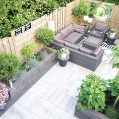 Need some low maintenance garden design ideas? Backyard Landscaping Designs, Low Maintenance Garden Design, Small Backyard, Small Space Design