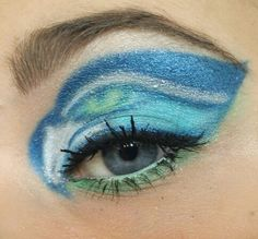 Fun Seattle Seahawks eyeshadow for the XLIX Super Bowl. Cheer the Hawks on to victory! #PMTSLife #PMTSSpokane
