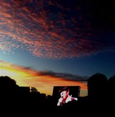 A remarkable sunset to mark the start of Leonard Cohen's Hunter Valley concert January 2009