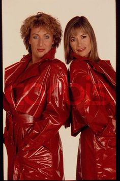 Red Raincoat, Vinyl Raincoat, Plastic Raincoat, Parka, Rain Fashion, Pvc Vinyl, Raincoats For Women, Rain Wear, Lady
