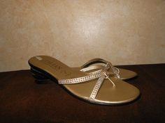 Italian Shoemakers Sandal Thongs Flipflops Shoes 7.5 Italy Bling Straps Flats $8