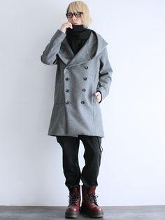 ShotaroKonishiさんのピーコート「 ボリュームビッグフードウールコート」を使ったコーディネート