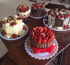 Beautiful Cakes, Amazing Cakes, Mini Cakes, Cupcake Cakes, Cake Recipes, Dessert Recipes, Gourmet Cakes, Pastry Cake, Drip Cakes