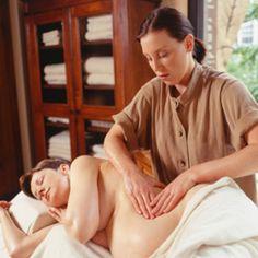 Lesbian masseuse oils up