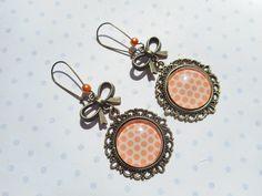 """Grandes boucles d'oreille dormeuses vintage """"Les pois orange"""" : Boucles d'oreille par miss-coopecoll"""