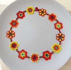 Collar de Flores Rojo Naranja y Amarillo Hecho a por LucianaLavin
