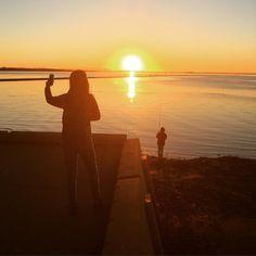 #isjon_isgood Selfie #brisbane #sunset #dailylife #sillouette #fishing #balance