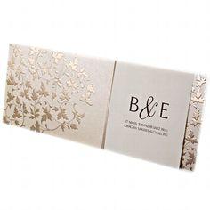 Elegante Hochzeitskarte in Creme mit goldener Prägung im Blattmotiv
